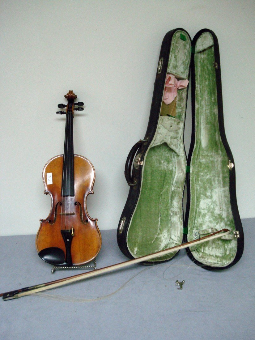 272: Violin by Leonardo Genaro