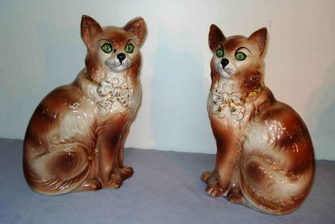 248A: Pair of ceramic cats
