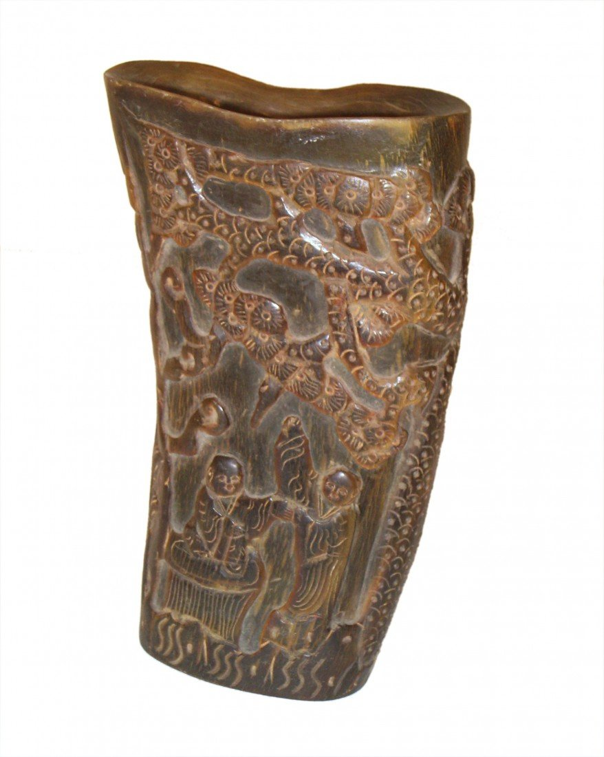 8: Horn Cup