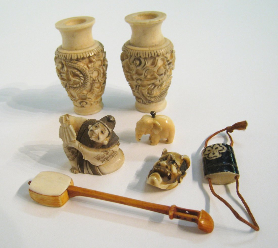 68: Japanese Carved Ivory Items