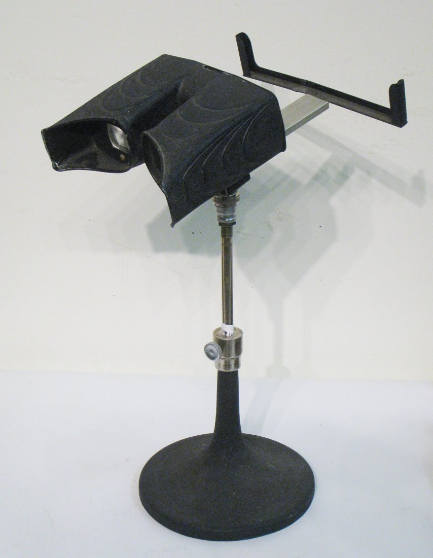 211: A Fine 19th Century Standing Stereo Viewer