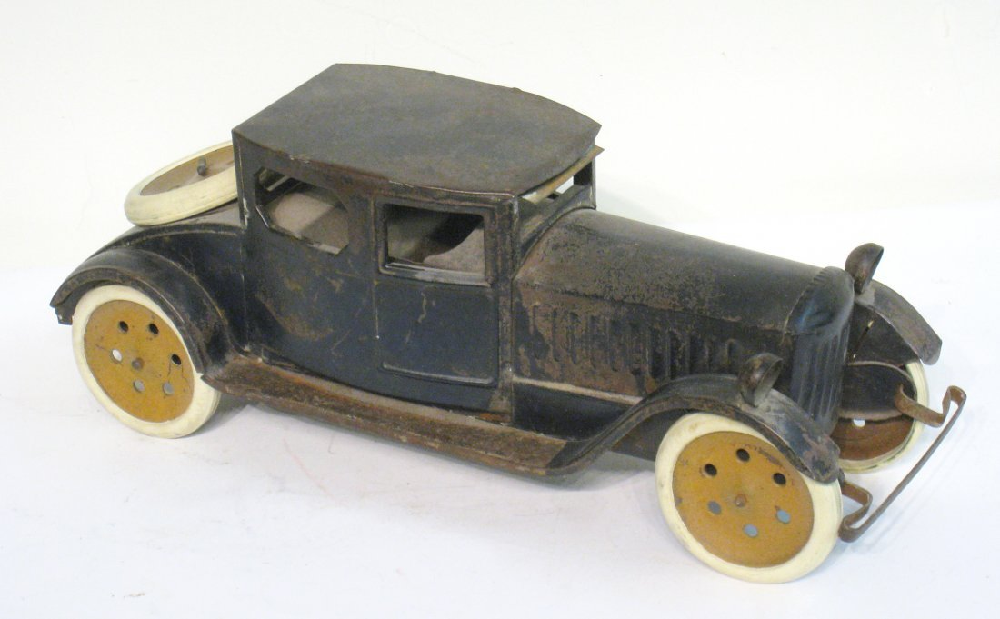 87: Early 20th Century Toy Sedan
