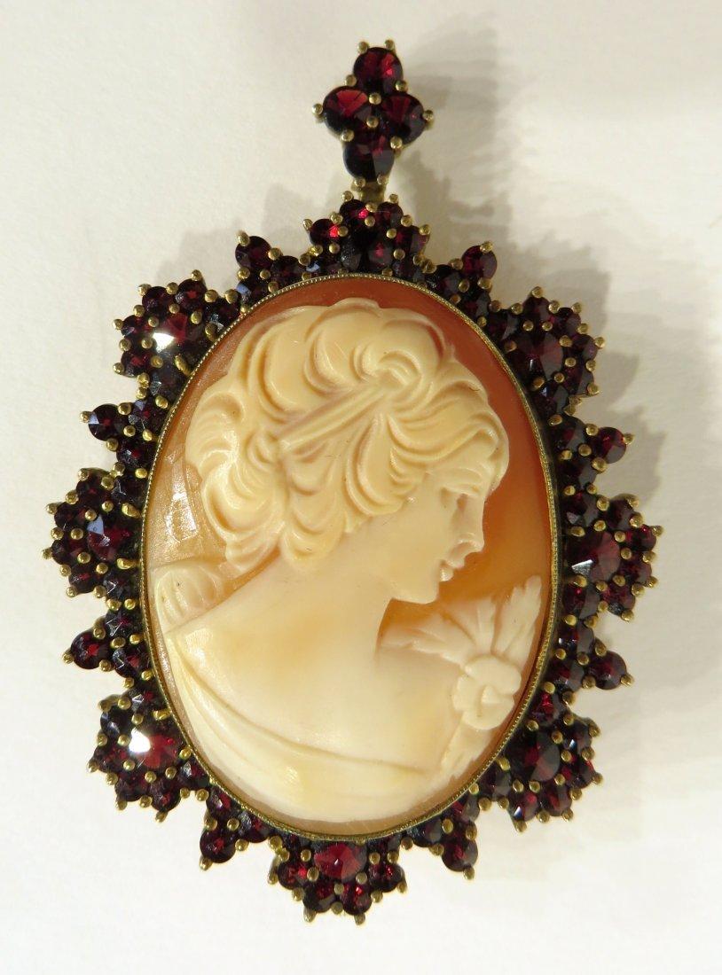 Pin/Pendant Cameo With Garnets Ca. 1900