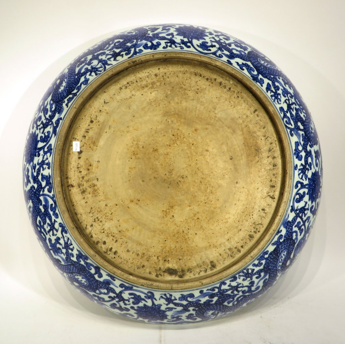 MING DYNASTY LARGE BLUE AND WHITE PLATE - 8