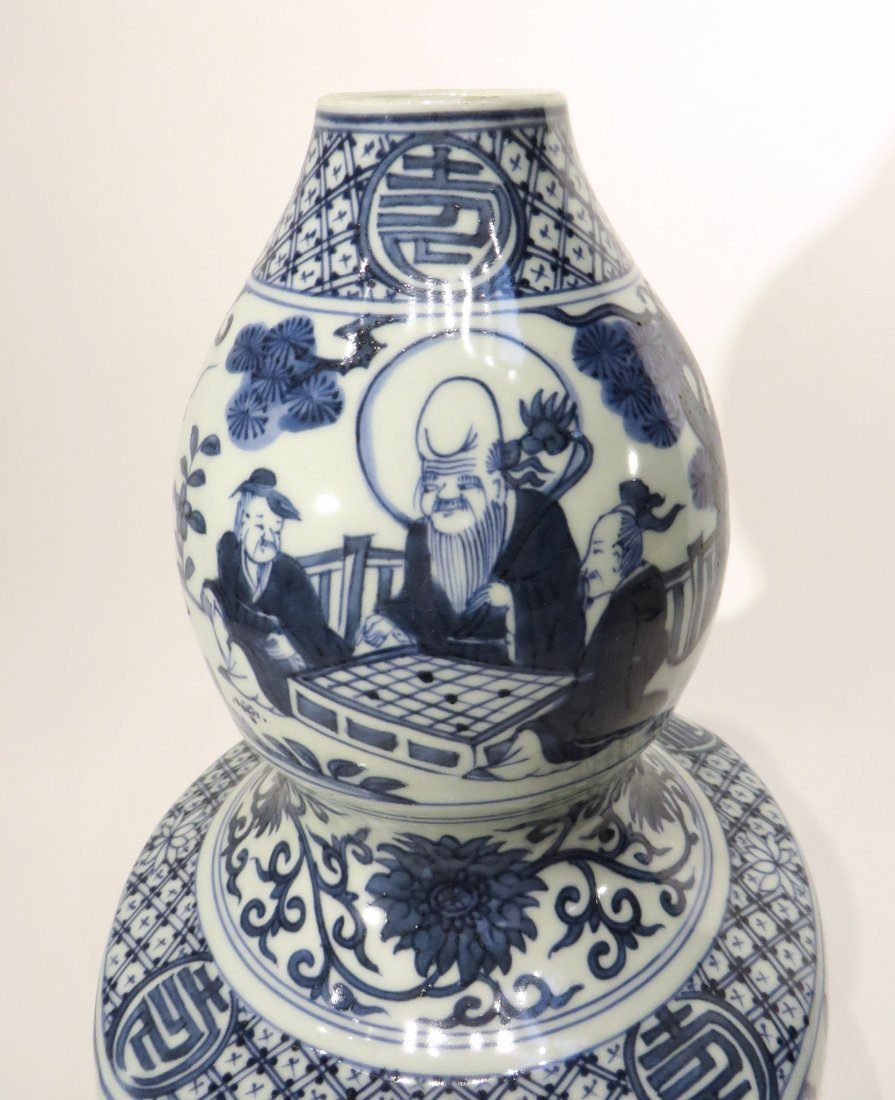 CHINESE JIA JING GOURD BLUE AND WHITE VASE - 4