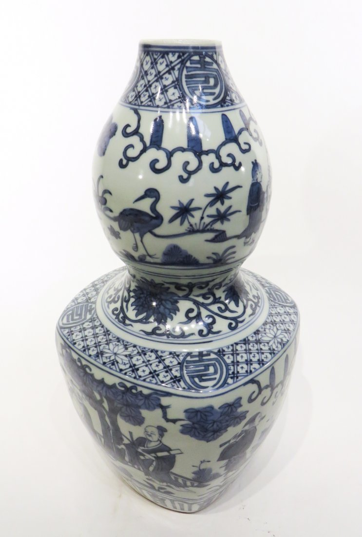 CHINESE JIA JING GOURD BLUE AND WHITE VASE - 8