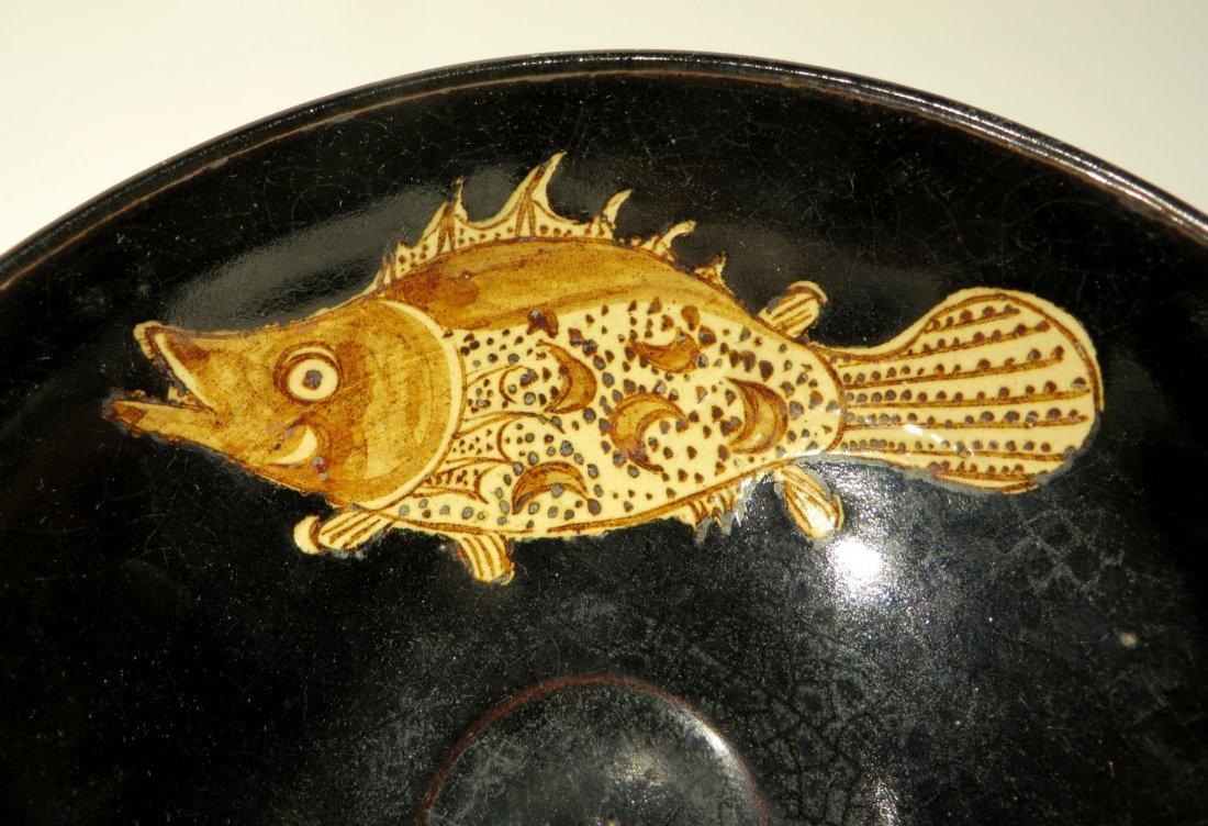 CHINESE JIZHOU WARE TEA BOWL WITH FISH MOTIF - 3