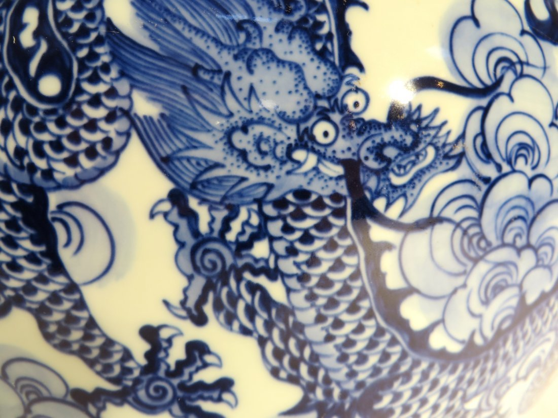 YONG ZHENG MARKED BLUE AND WHITE DRAGON VASE - 4