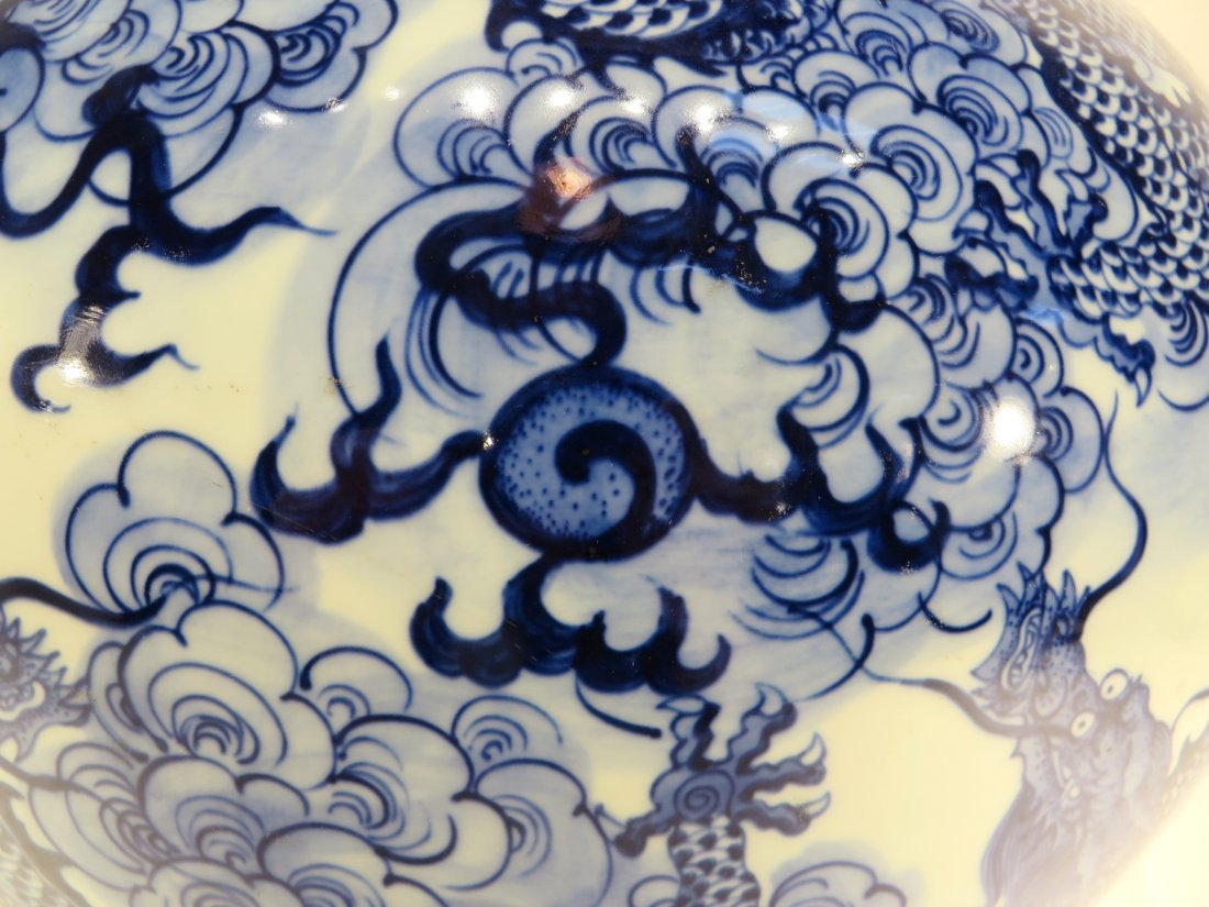 YONG ZHENG MARKED BLUE AND WHITE DRAGON VASE - 5
