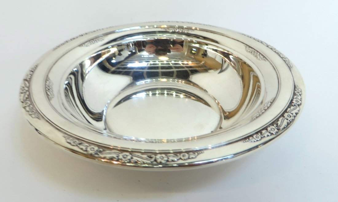 INTERNATIONAL STERLING SILVER NUT BOWL