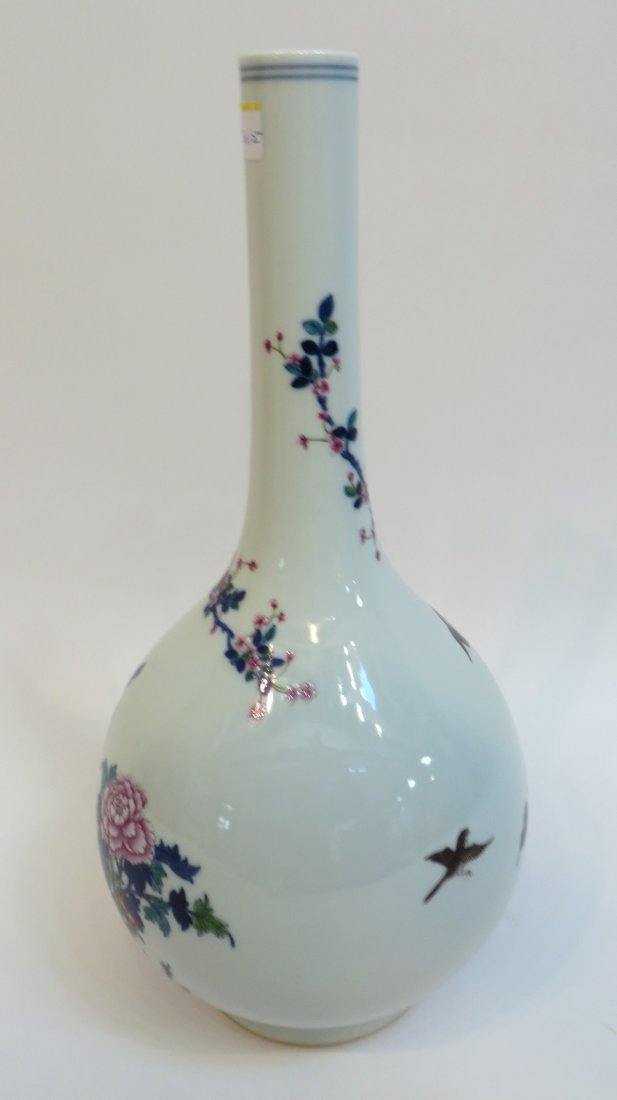 CHINESE YONGZHENG MARKED LONG NECKED VASE - 4