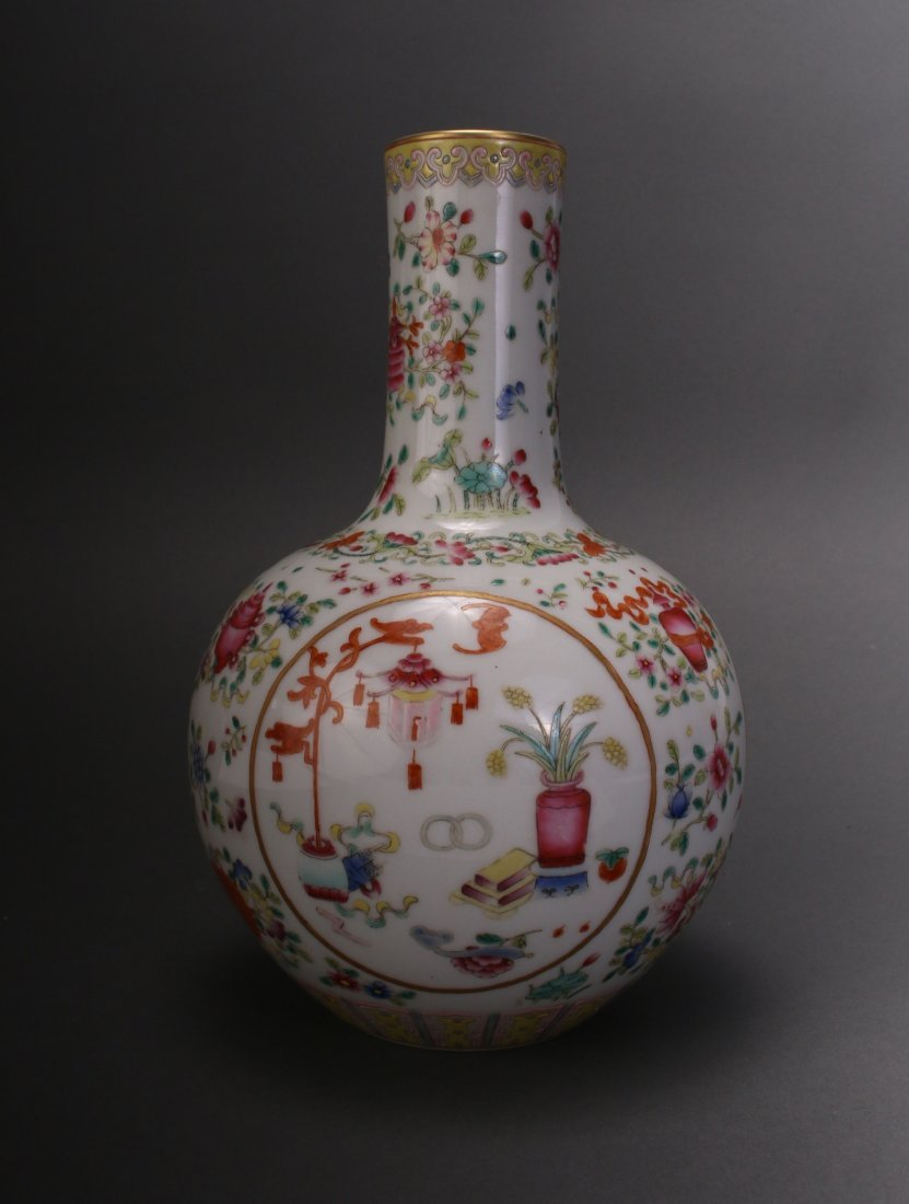 CHINESE FAMILLE ROSE QIAN LONG VASE - 2
