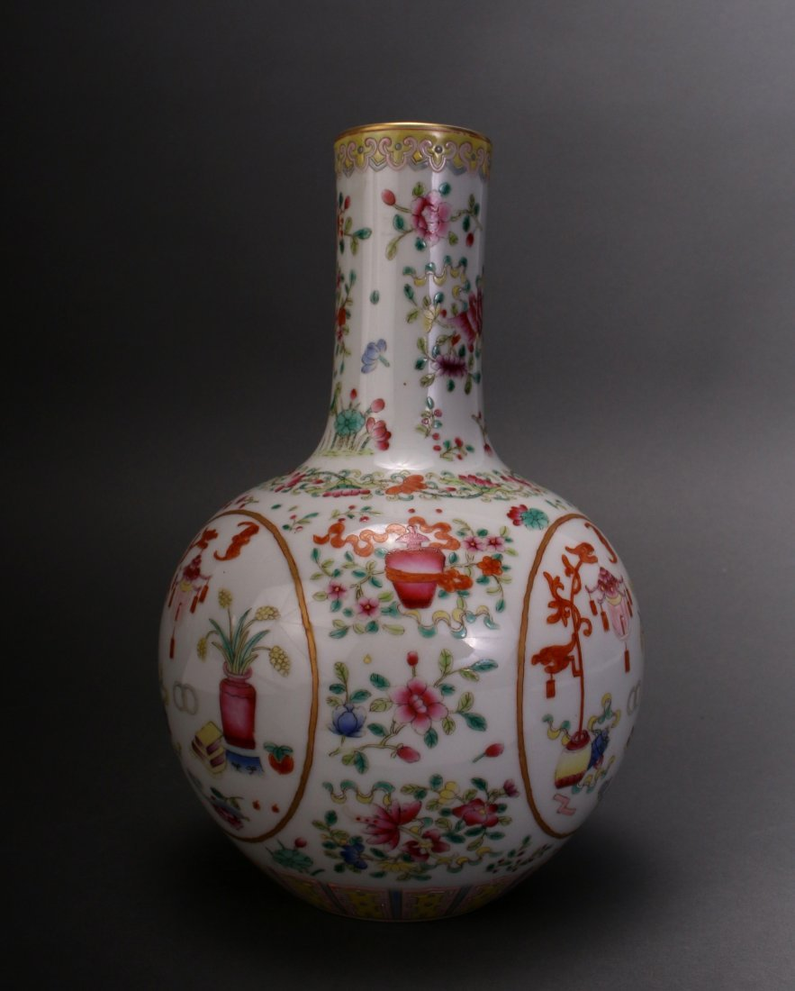 CHINESE FAMILLE ROSE QIAN LONG VASE - 3