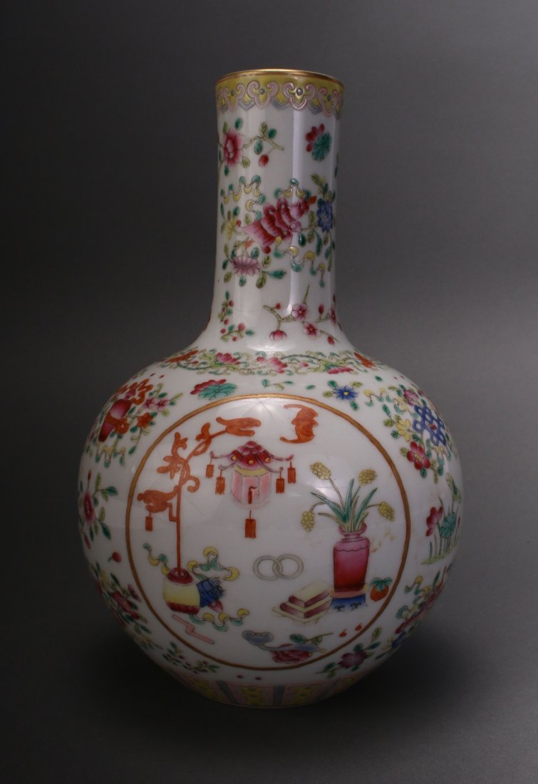 CHINESE FAMILLE ROSE QIAN LONG VASE - 4