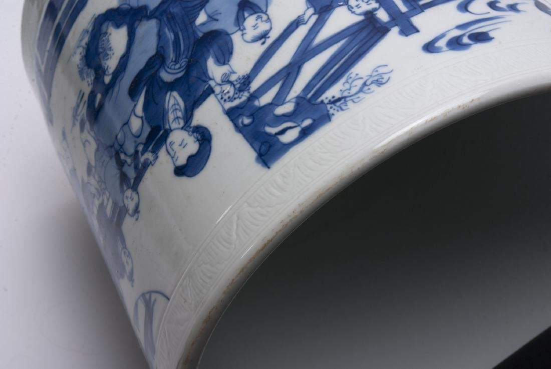 LARGE BLUE AND WHITE BRUSH POT - 4