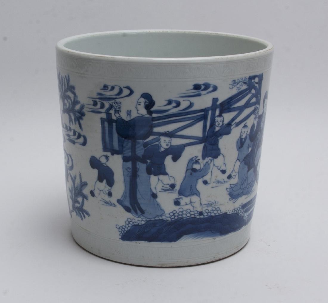 LARGE BLUE AND WHITE BRUSH POT - 5