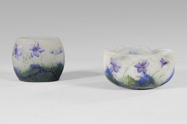 16: DAUM NANCY Many label bowl «aux violettes» in cameo