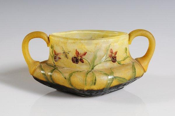 17: DAUM NANCY Bowl with handles in multi-layered, acid