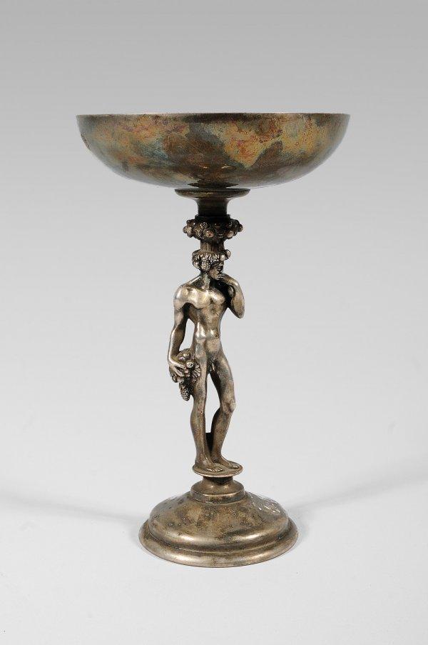 266: CHRISTOFLE Calice en bronze et métal argenté.Décor