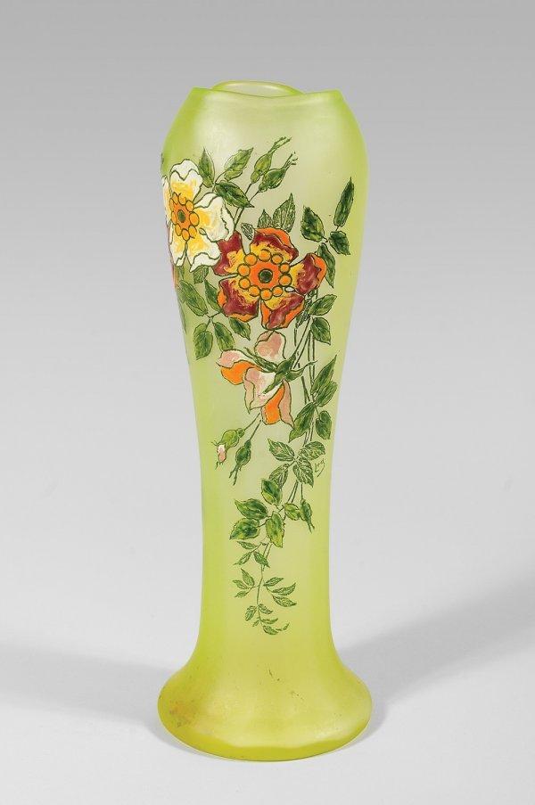 277: LEGRAS Vase enverre àdécor de fleurs. Vers 1900.