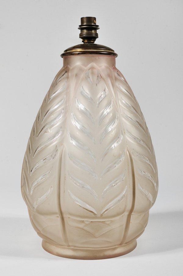281: TRAVAIL FRANCAIS 1930 Pied de lampe en verre blanc