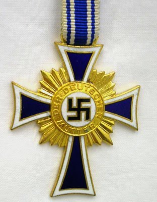 350: WWII GERMAN GOLD MOTHER'S CROSS