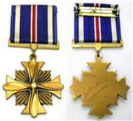 434: WWII ARMY AIR CORPS DFC ENGRAVED MEDAL