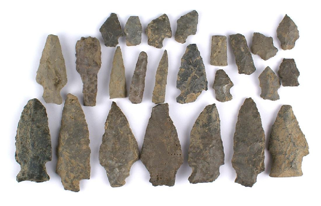 Lot of 24 American Indian archaic points