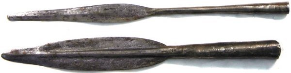 23: Lot of 2 African leaf shaped spearheads