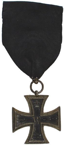 11: German WWI 1914 Iron Cross 2nd Class medal