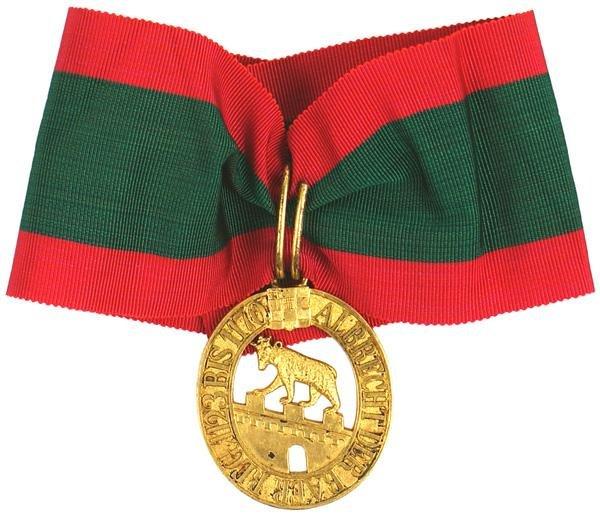 22: Imperial German WWI Anhalt Order medal
