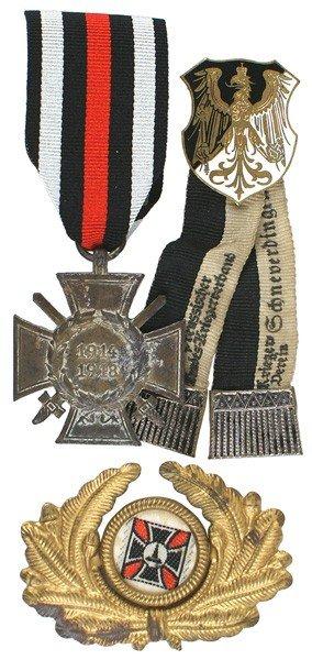 12: Lot of 3 German WWI veteran medals etc