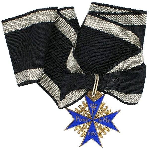 19: German WWI Prussian Blue Max medal