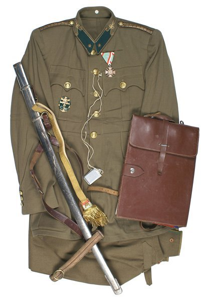 Hungarian career officer WWII uniform group