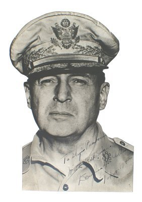 Cut-out Photo Print Signed General Mac Arthur