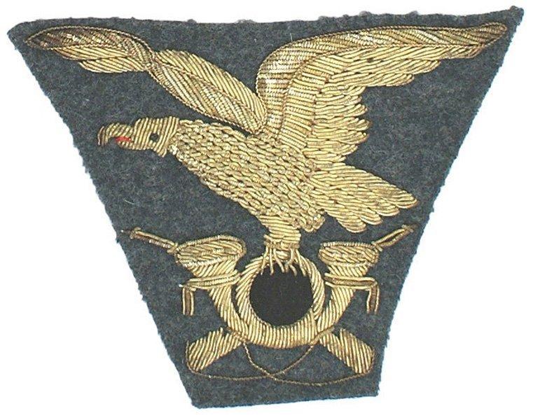 Italian WWII embroidered Alpini Infantry cap eagle