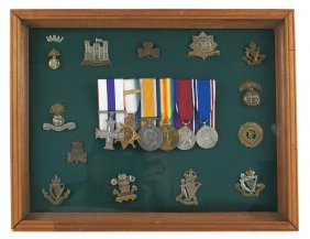 Display Of British Wwi Medals Cap Badges