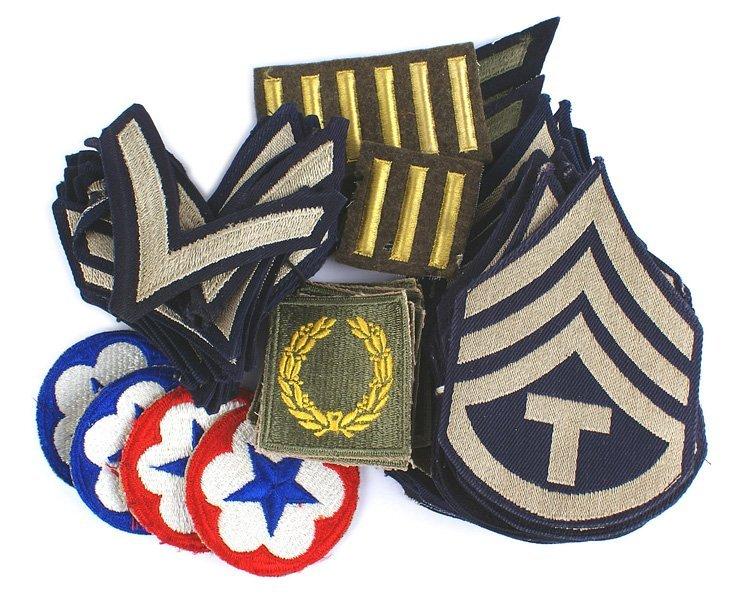 Lot of U.S. WWII insignia