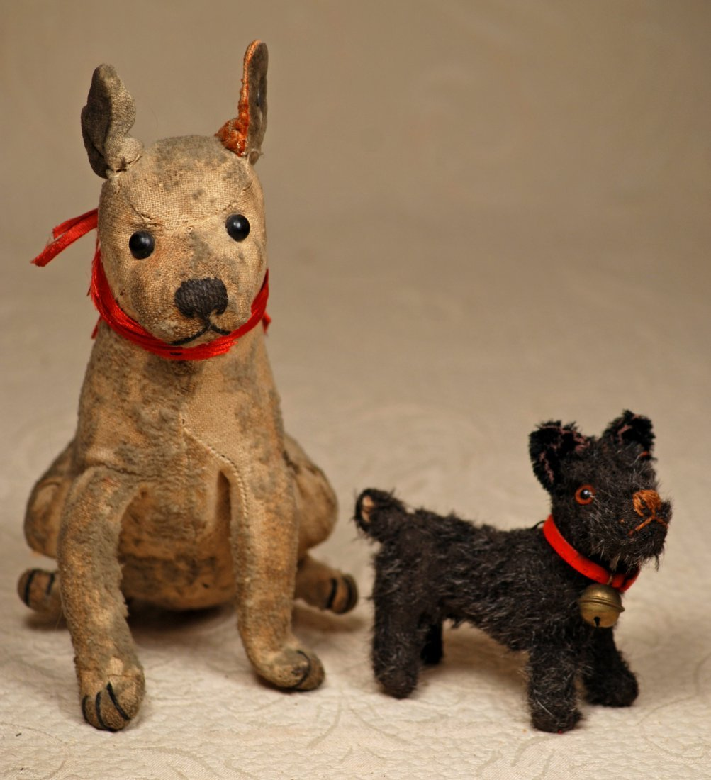 TWO EARLY STEIFF DOGS.