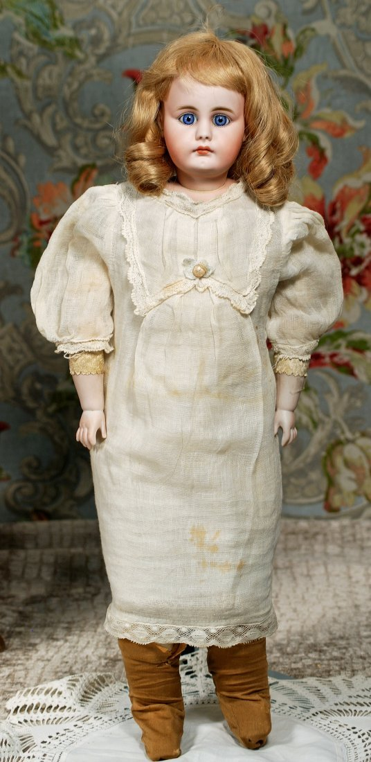 GERMAN BISQUE CLOSED-MOUTH DOLL BY SIMON & HALBIG. - 2
