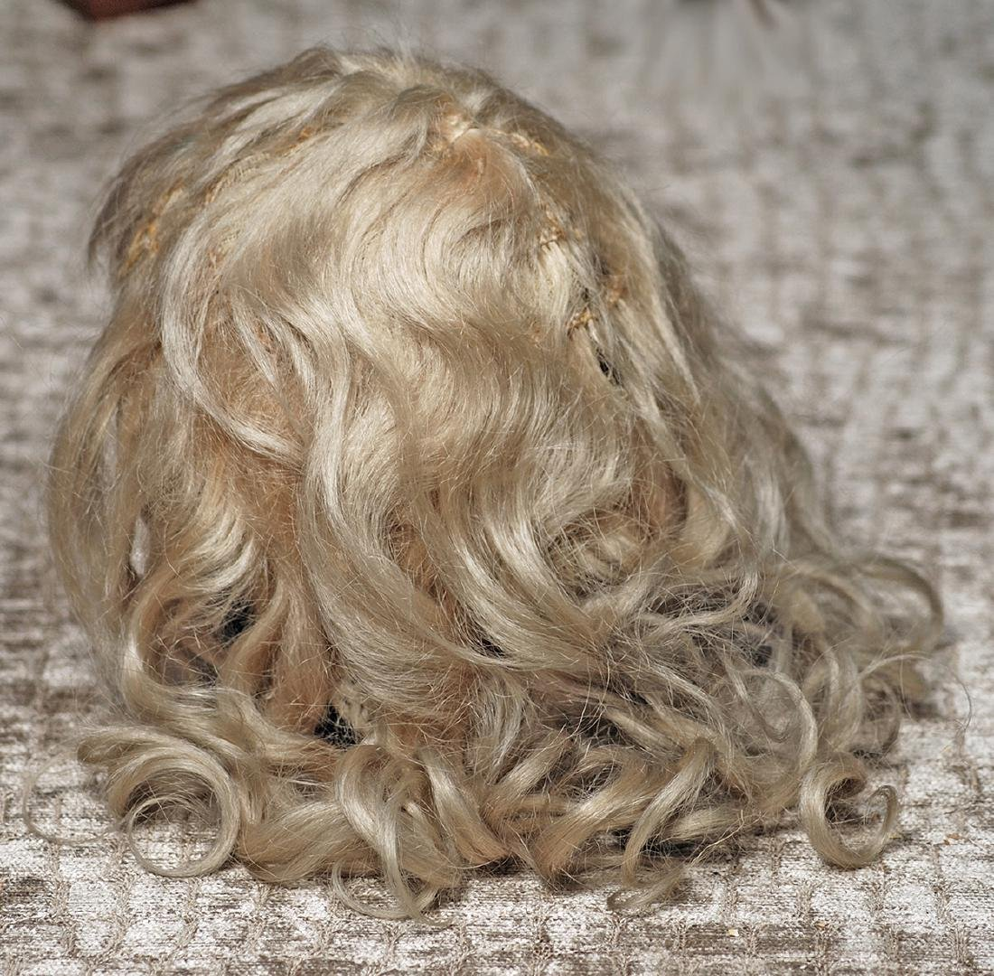 "ANTIQUE BLONDE MOHAIR For about 17"" head circumference"
