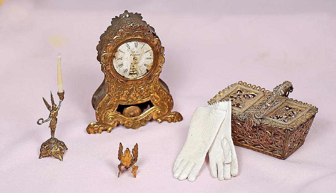 83. MINIATURE DOLL ACCESSORY ITEMS. Includes: 3 ¾""