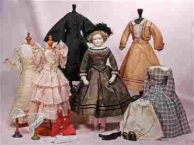 84. BEAUTIFUL FRENCH PORCELAIN POUPEE BY LEONTINE