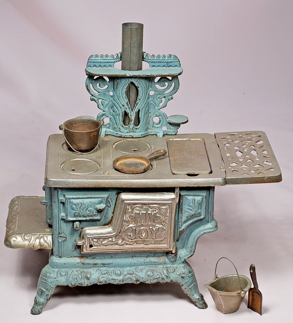 101. AMERICAN TOY STOVE. Painted aqua blue cast iron