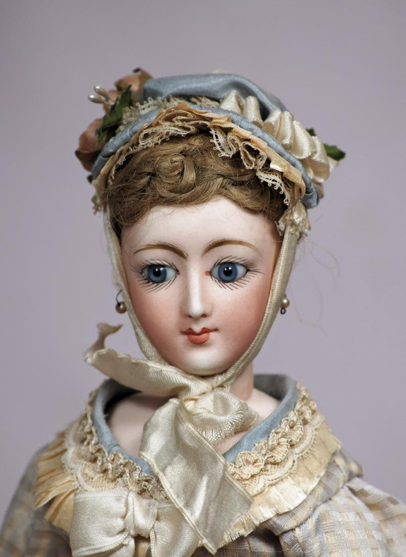 134. VERY RARE FRENCH BISQUE POUPEE WITH PORTRAIT FACE. - 2