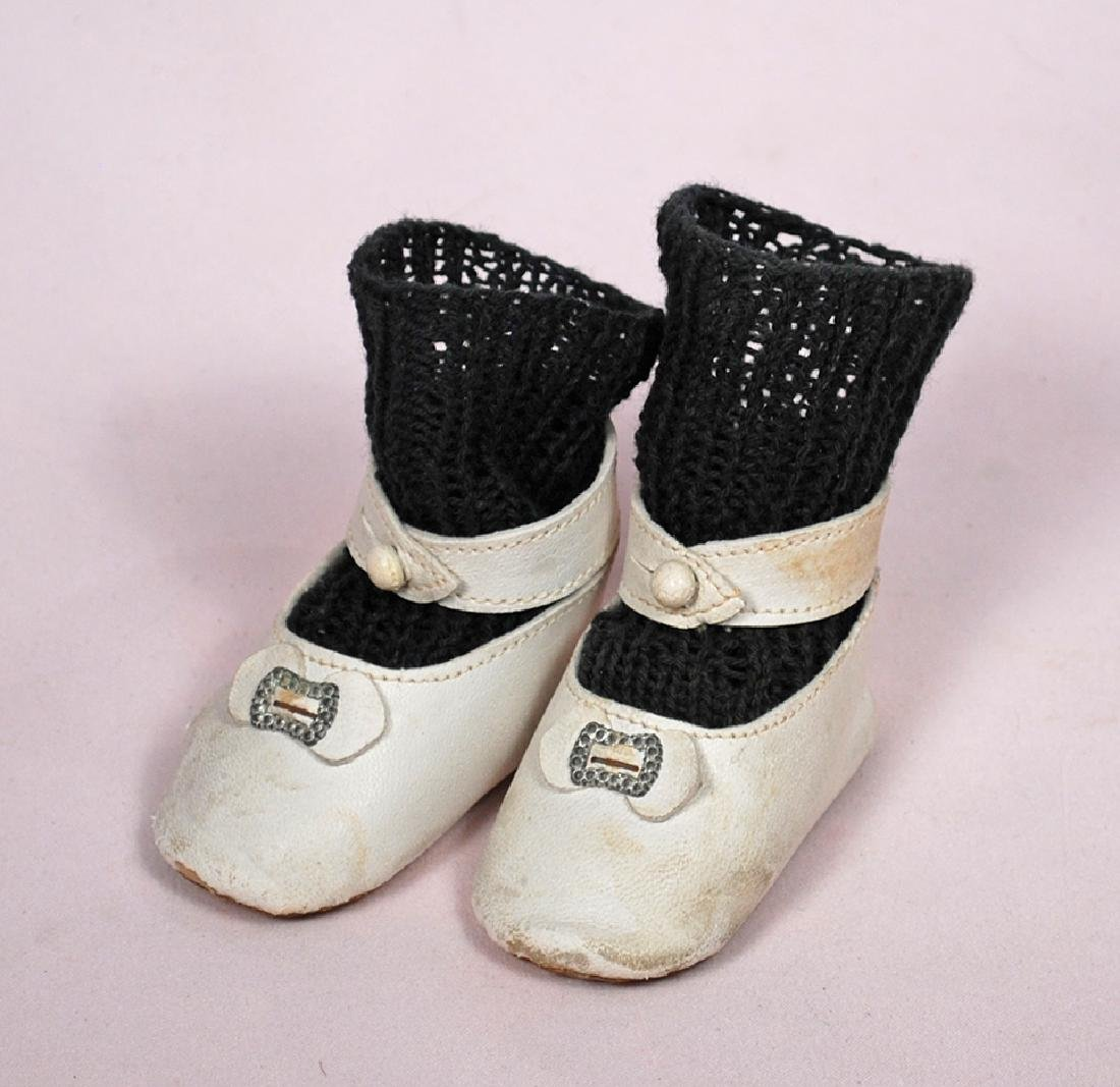 """170-A. DOLL SHOES AND SOCKS. 2 ¾"""" L. pair of white"""