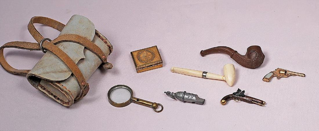 186. COLLECTION OF MINIATURE ACCESSORIES FOR GENTLEMAN