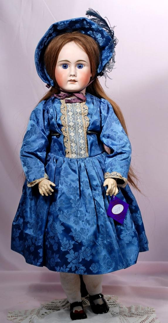 227. GERMAN BISQUE DOLL BY MYSTERY MAKER. Marks: 15.