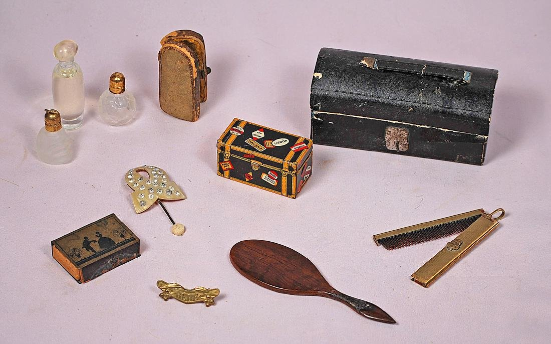 """278. ACCESSORIES FOR FASHION DOLLS. Includes: 4"""" x 2"""""""