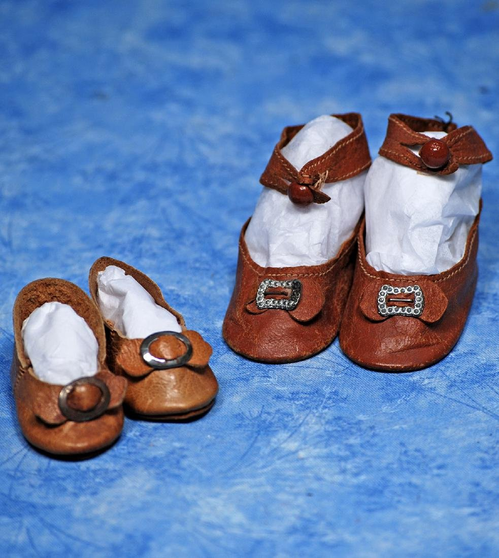 """137. TWO PAIR OF ANTIQUE DOLL SHOES. 2"""" L. pair"""